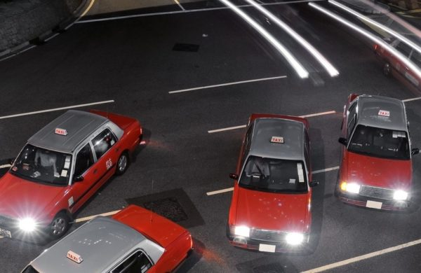 [Article] Uber's HK price hike vs HK taxis